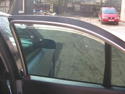 боковое открытое стекло