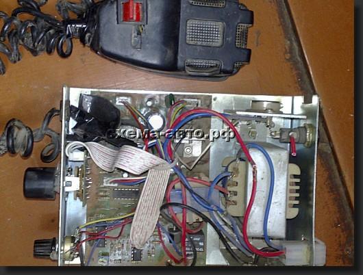 Усиление обеспечивается силовым трансформатором.  В схеме частота регулируется в пределах 200 Герц...