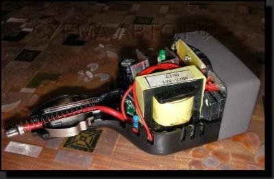 12-220 инвертор от прикуривателя