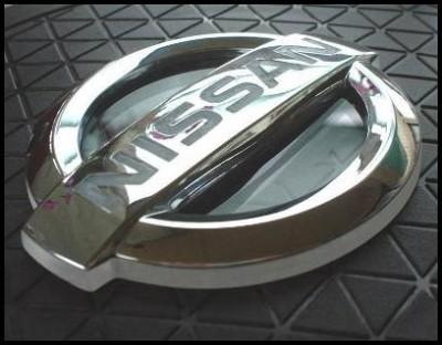 Делаем подсветку шильдика Nissan